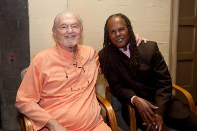 swamiji-and-michael-beckwith.jpg