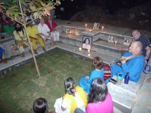Kirtan by candlelight in the new retreat 'Kund'