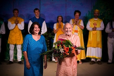 Devaki and Swamiji on stage at curtain call-1