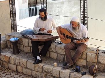 street musicians in zfat