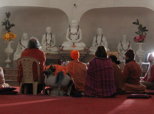 Statues at Kriya Ashram in Rishikesh