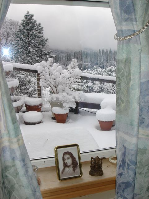 winter outside kent's home studio