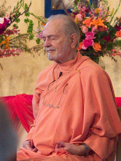 Swami Kriyananda meditating in the temple at Ananda Palo Alto